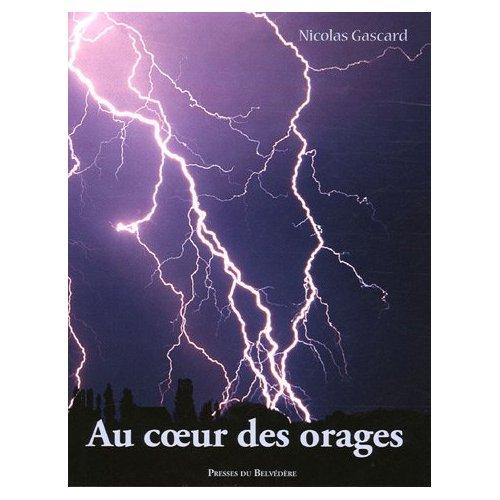 Au-coeur-des-orages__01
